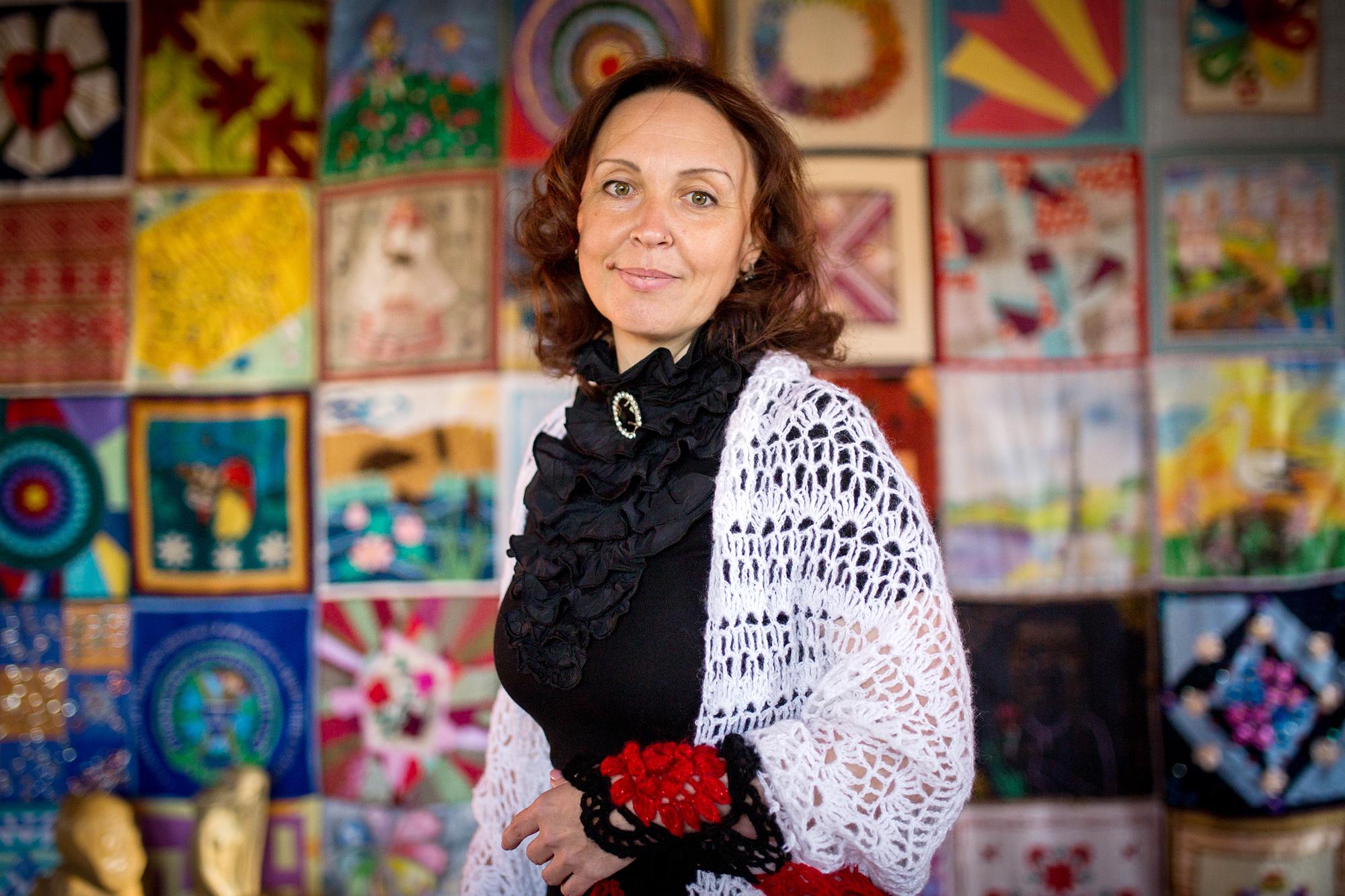 Семья Елены жила в собственном доме в украинском селе Петровка Луганской области.