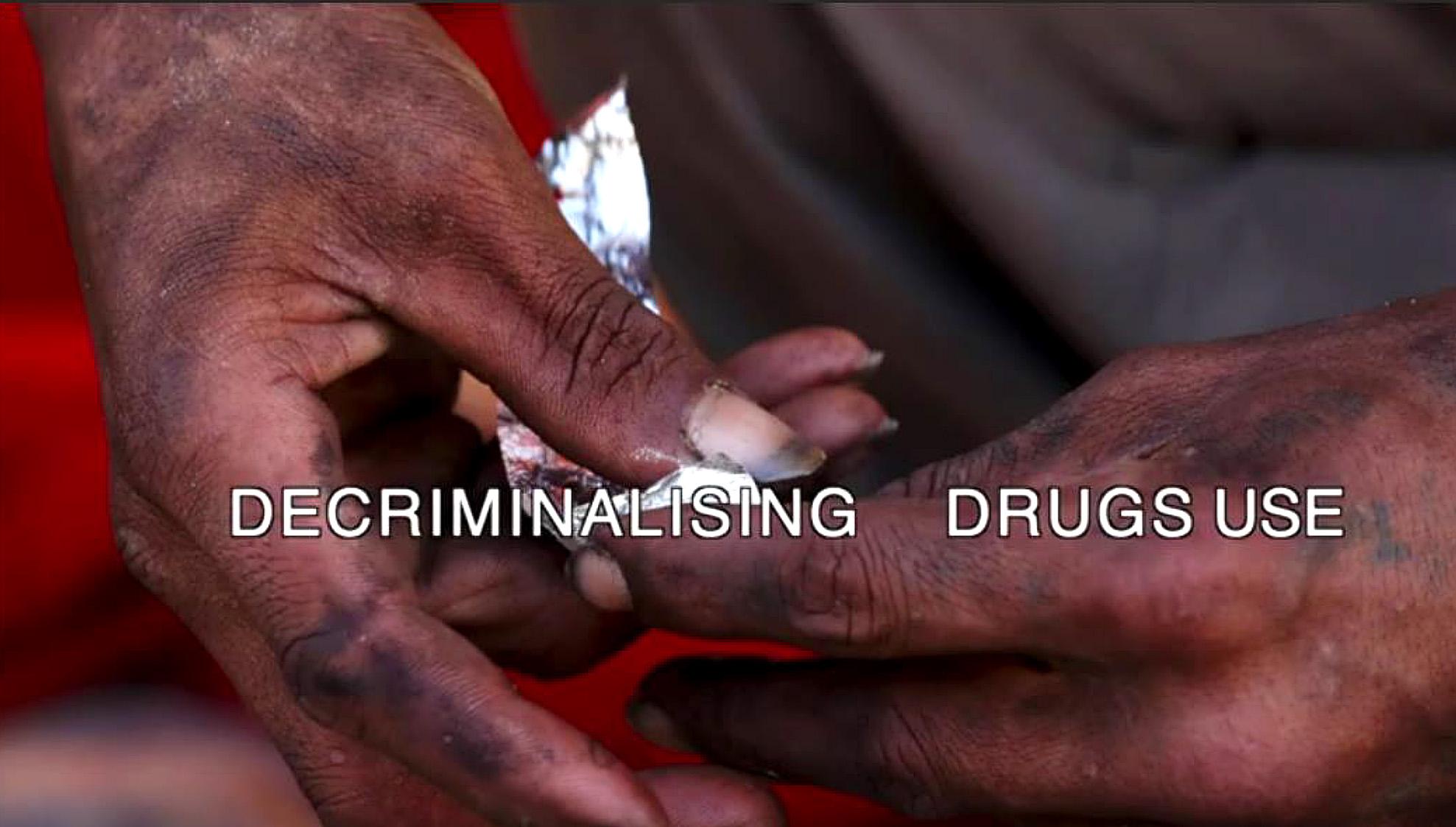 Людям, употребляющим наркотики, необходимо внимание к проблемам их здоровья, а не лишение свободы
